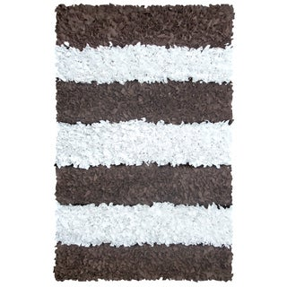 Manam Brown and White Stripe Shag Rug (5' x 8') - 5' x 8'