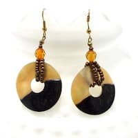 Handmade Sweet Circle Natural Brown Lip Shells Dangle Earrings (Philippines)