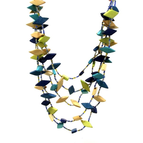 Handmade Dancing Diamonds Shape Resin Coco Palm Wood Necklace (Philippines)