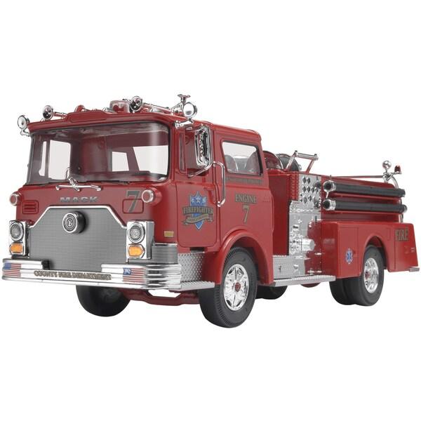 Revell Mack Fire Pumper 1:32 Plastic Model Kit