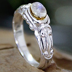 Handmade Gold Accent 'Swirls and Twirls' Moonstone Solitaire Ring (Indonesia)