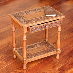 Handmade Mohena Wood and Leather 'Andean Elegance' Accents Table (Peru)
