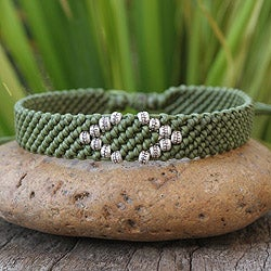Handcrafted Silver Accent 'Hill Tribe Green' Bracelet (Thailand)