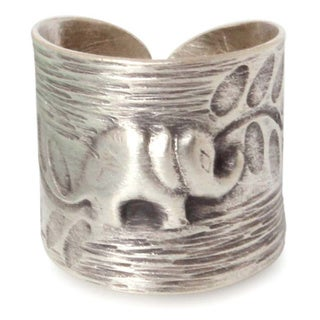 Handmade Sterling Silver 'Thai Forest Elephant' Ring (Thailand)