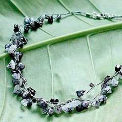 Cultured Pearl 'River of Night' Quartz Necklace (4 mm) (Thailand)