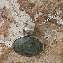 Handmade Sterling Silver 'Maya Virtues' Jade Necklace (Guatemala)