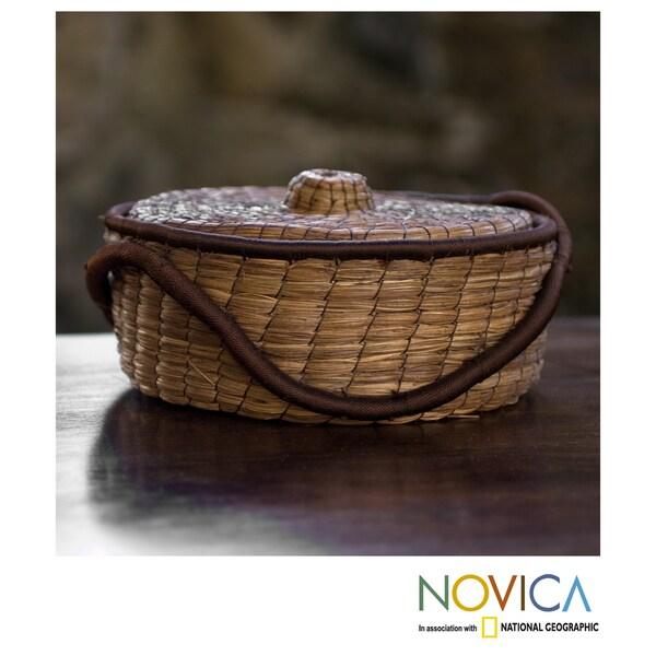 Handcrafted Pine Needle 'Chilasco Coffee' Basket (Guatemala)