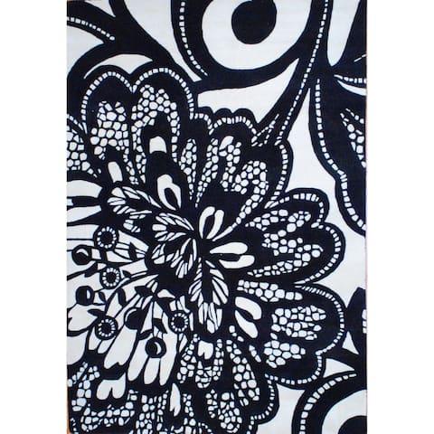 Handmade Tibetan Wool Rug (India) - 6'9 x 9'9