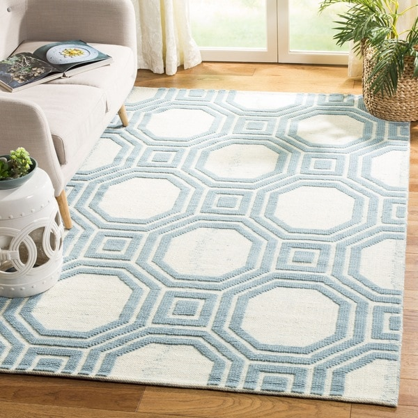 Martha Stewart by Safavieh Vermont Ivory/ Light Blue Wool Area Rug - 8' x 10'