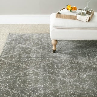 Martha Stewart Strolling Rock Garden/ Grey Wool/ Viscose Rug (5' 6 x 8' 6)