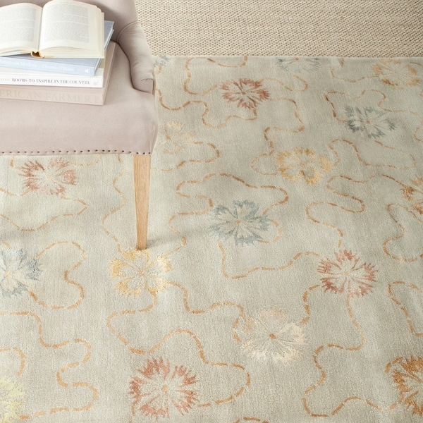 Martha Stewart by Safavieh Garland Pearl/ Grey Wool/ Viscose Rug - 7'9 x 9'9