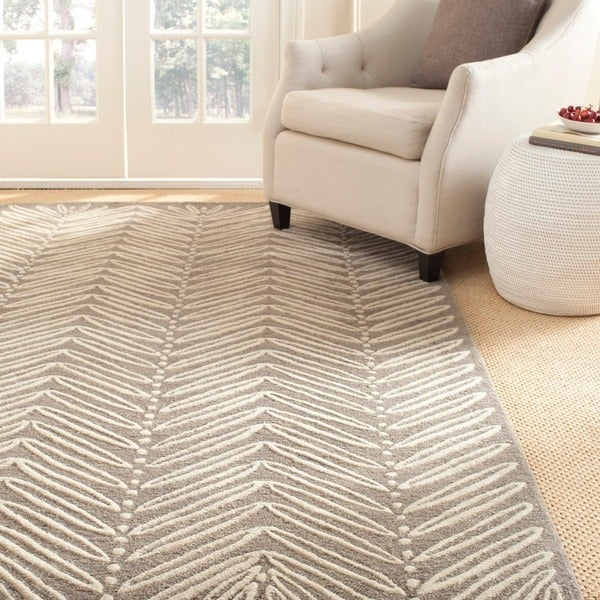 Martha Stewart by Safavieh Chevron Leaves Chamois Beige Wool/ Viscose Rug - 4' x 6'