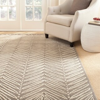 Martha Stewart by Safavieh Chevron Leaves Chamois Beige Wool/ Viscose Rug - 4' x 6'