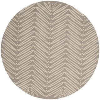 Martha Stewart by Safavieh Chevron Leaves Chamois Beige Wool/ Viscose Rug (6' Round)
