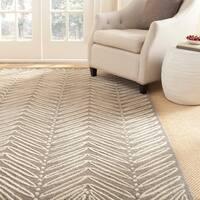 Martha Stewart by Safavieh Chevron Leaves Chamois Beige Wool/ Viscose Rug - 8' x 10'