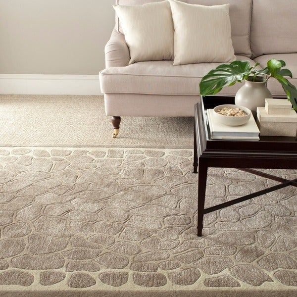 Martha Stewart by Safavieh Arusha Wheat Beige Wool/ Viscose Rug (5' x 8')