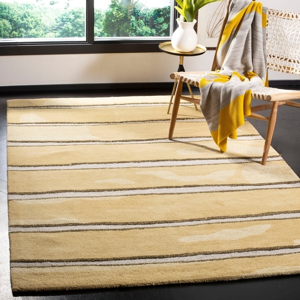 "Martha Stewart by Safavieh Chalk Stripe Toffee Gold Wool/ Viscose Rug - 9'-6"" x 13'-6"""