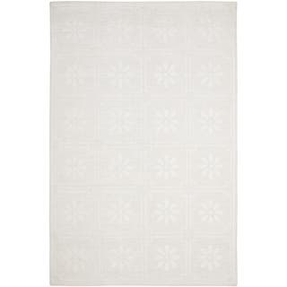 Martha Stewart by Safavieh Daisy Square White Linen Rug (9' x 12')|https://ak1.ostkcdn.com/images/products/7877823/7877823/Martha-Stewart-Daisy-Square-White-Linen-Rug-9-x-12-P15260850.jpg?impolicy=medium