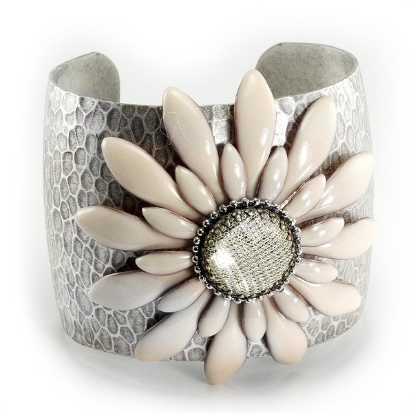 Sweet Romance Retro Daisy Sunflower Silver Cuff Bracelet