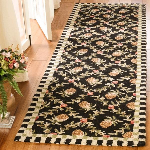 Safavieh Hand-hooked Chelsea Black/ Ivory Wool Rug - 2'6 x 12'