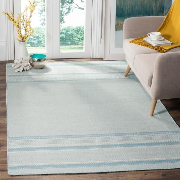 Safavieh Hand-woven Kilim Light Blue/ Ivory Wool Rug - 8' x 10'