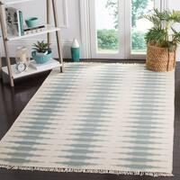 Safavieh Hand-woven Kilim Ivory/ Blue Wool Rug - 6' x 9'