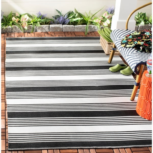 Thom Filicia Hand-woven Indoor/ Outdoor Black Rug - 8' x 10'