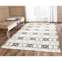 Thom Filicia Hand-woven Indoor/ Outdoor Black/ Beige Rug - 5' x 8'