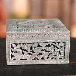 Handcrafted Soapstone 'Floral Garland' Jewelry Box (India)