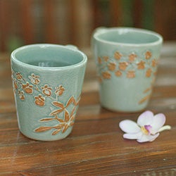 Handmade Set of 2 Ceramic 'Golden Orchid' Celadon Coffee Mugs (Thailand)