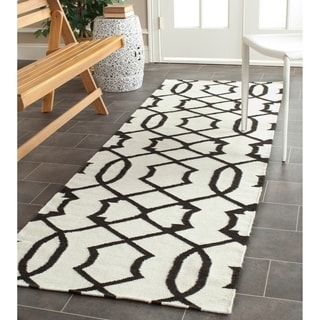 "Safavieh Transitional Safavieh Handwoven Moroccan Reversible Dhurrie Ivory Wool Rug (2'6"" x 8')"