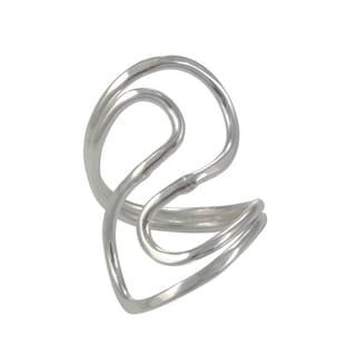 Handcrafted Alpaca Silvertone Wavy Ring (Mexico)