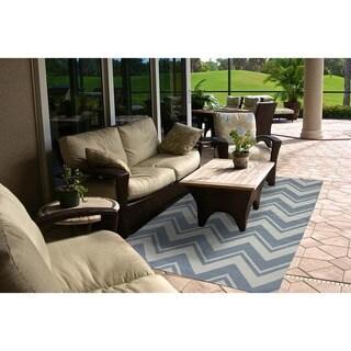 Mohawk Home Printed Indoor/ Outdoor Pool Zig Zag Blue (7'6 x 10)