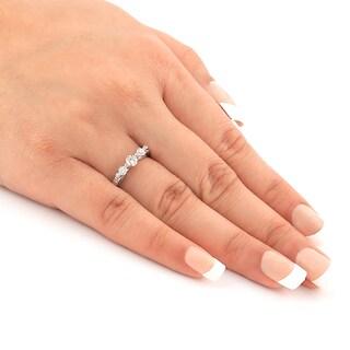 Auriya 14k Gold 1/2ct TDW 3-stone Diamond Trellis Engagement Ring (Option: Yellow)