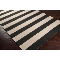 Hand-hooked Brown Snaring Indoor/Outdoor Stripe Rug (9' x 12') - Thumbnail 1