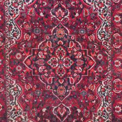 Persian Hand-knotted Bakhtiari Red/ Olive Wool Rug (6'7 x 9'11) - Thumbnail 1