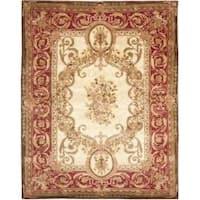 Safavieh Handmade Aubusson Maisse Light Gold/ Red Wool Rug - 8' x 10'