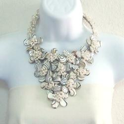 Grande Zebra Mother of Pearl Plumeria Floral Lush Necklace (Thailand)
