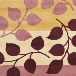 Safavieh Handmade Soho Garden Red New Zealand Wool Rug (7'6 x 9'6)