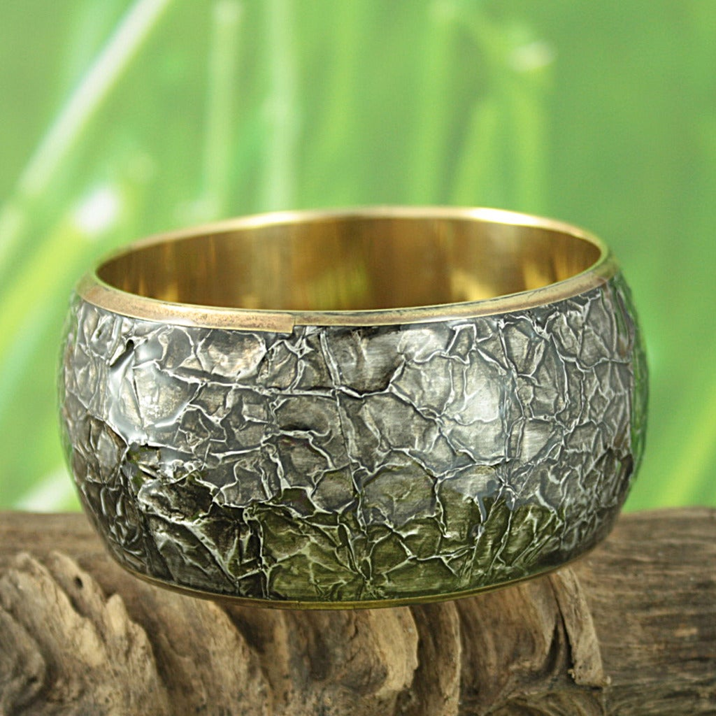 Hand-crafted Crinkled Art 'Midnight Glory' Bangle Bracelet (India)