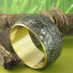 Hand-crafted Crinkled Art 'Midnight Glory' Bangle Bracelet (India) - Thumbnail 1