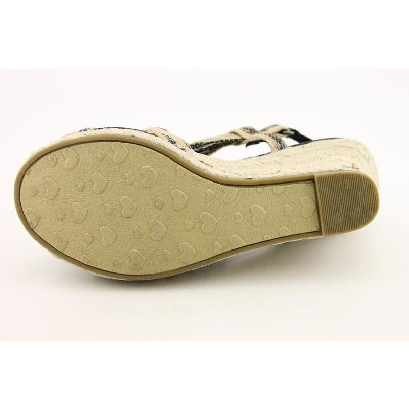 Rocket Dog Women's Dia Beige Sandals
