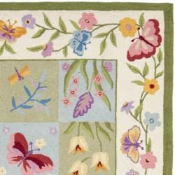 Safavieh Hand-hooked Butterfly Gardens Wool Rug (5'3 x 8'3) - Thumbnail 1