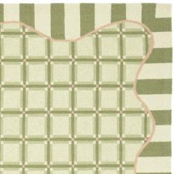 Safavieh Hand-hooked Chelsea Ivory/ Green Wool Rug (3'9 x 5'9) - Thumbnail 1