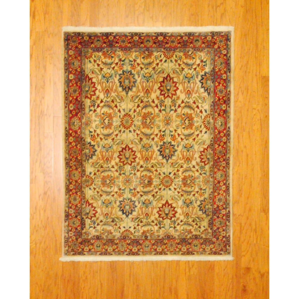 Persian Hand-knotted Sarouk Ivory/ Rust Wool Rug (4'9 x 6'4)