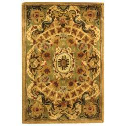 Safavieh Handmade Classic Empire Taupe/ Light Green Wool Rug (2' x 3') - 2' x 3'