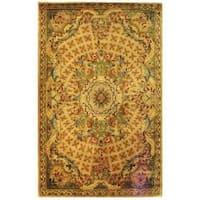 Safavieh Handmade Classic Empire Taupe/ Light Green Wool Rug - 6' x 9'