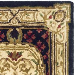 Safavieh Handmade Classic Black/ Beige Wool Rug (2' x 3') - Thumbnail 1