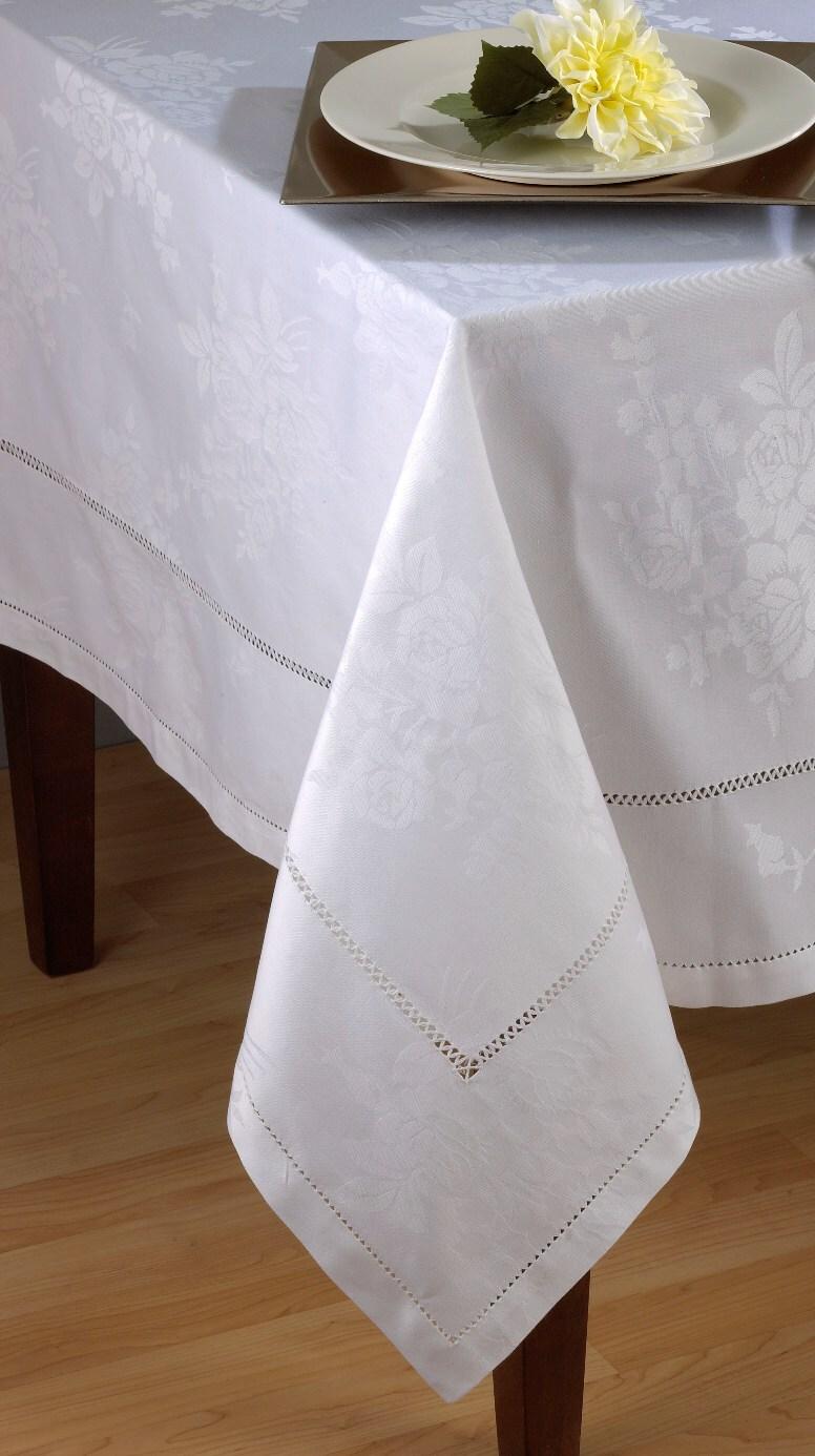 Saro White Cotton Rose-design Damask and Hemstitch Tablecloths