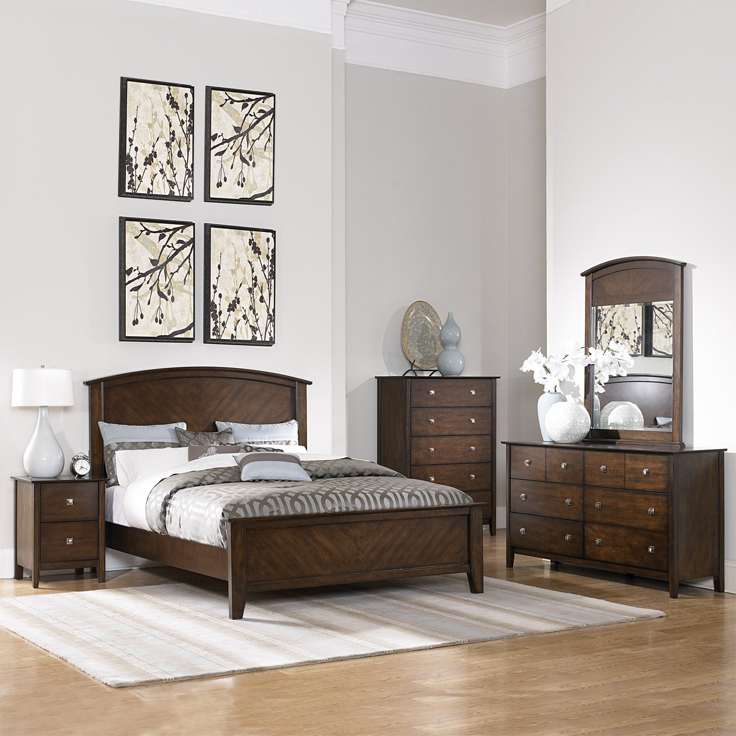 Nurmes Warm Cherry Queen-size Transitional 5-piece Bedroom Set - Thumbnail 0